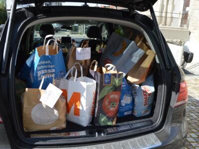 Gespendete Lebensmitteltaschen